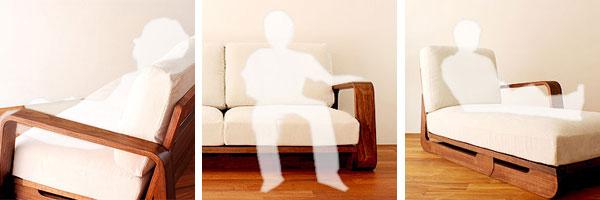 無垢材を活かしたアームのソファ