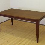MU Factory 天然木ウォールナット無垢のダイニングテーブル