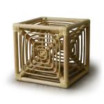 岡本太郎生誕100年記念事業によって復刻されたラタン製のスツールサイコロ椅子
